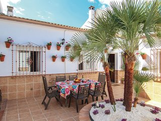 Nice home in Cordoba w/ 3 Bedrooms and WiFi