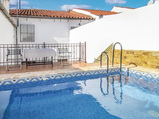 Stunning home in Villaviciosa de Cordob w/ WiFi and 4 Bedrooms (EAC187)