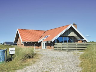 Amazing home in Ringkøbing w/ Sauna, WiFi and 3 Bedrooms