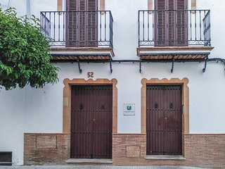Nice home in Prado del Rey w/ 2 Bedrooms