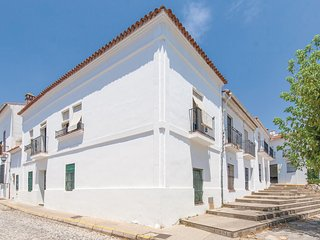 Beautiful home in Aracena w/ WiFi and 3 Bedrooms