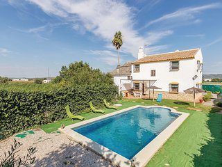 Beautiful home in Antequera w/ WiFi and 4 Bedrooms