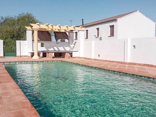 Stunning home in Algodonales w/ WiFi, 4 Bedrooms and Outdoor swimming pool