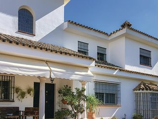Stunning home in El Santiscal w/ WiFi, 4 Bedrooms and Outdoor swimming pool