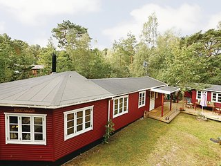 Amazing home in Nexø w/ 3 Bedrooms and WiFi