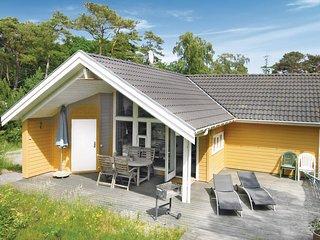 Beautiful home in Nexø w/ Sauna, WiFi and 2 Bedrooms