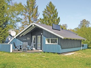 Awesome home in Nexø w/ 2 Bedrooms
