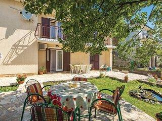 Nice home in Viskovo w/ WiFi and 3 Bedrooms