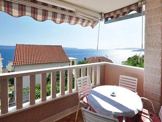 Nice home in Okrug Gornji w/ 4 Bedrooms