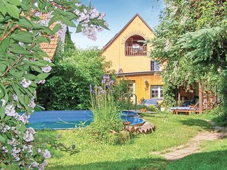 Amazing home in Bad Blankenburg OT Cor w/ Sauna and 5 Bedrooms