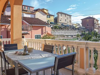 Beautiful home in Imperia -IM- w/ WiFi and 2 Bedrooms
