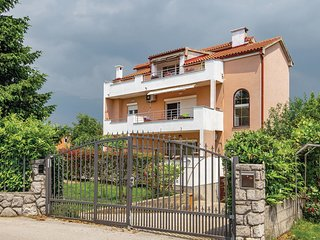 Stunning home in Marinici w/ WiFi and 2 Bedrooms