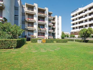 Awesome apartment in Villa Rosa TE w/ 2 Bedrooms (IZK111)
