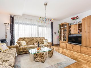 Beautiful home in Marinici w/ WiFi and 2 Bedrooms