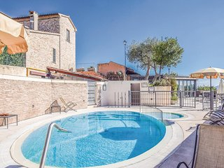 Awesome home in Barni di Serrungarina w/ 1 Bedrooms