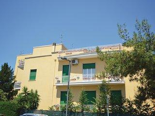 Beautiful home in Pescara w/ WiFi and 4 Bedrooms