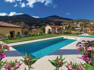 Beautiful home in Matulji w/ WiFi, 3 Bedrooms and Outdoor swimming pool