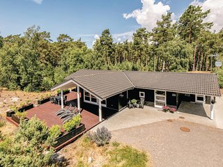 Stunning home in Aakirkeby w/ WiFi and 3 Bedrooms