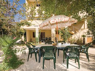 Nice home in Vlasici w/ WiFi and 1 Bedrooms