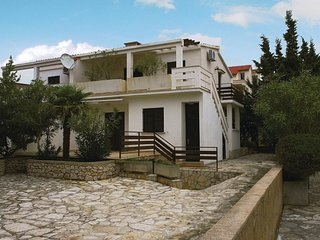Awesome home in Novalja w/ 2 Bedrooms