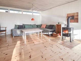 Stunning home in Stubbekøbing w/ WiFi and 2 Bedrooms
