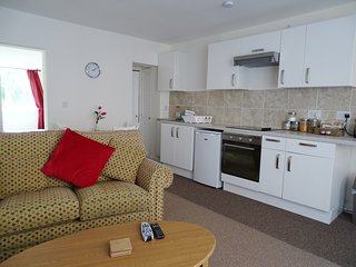 Holiday Apartment Modern Ground Floor Sleeps 2 Craven Arms