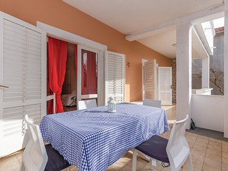 Awesome home in Vodice w/ WiFi and 2 Bedrooms
