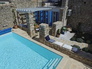 Stunning home in Murter w/ WiFi, 2 Bedrooms and Outdoor swimming pool
