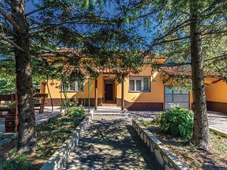 Stunning home in Cavle w/ WiFi and 1 Bedrooms