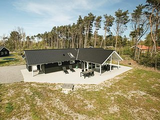 Awesome home in Nexø w/ Sauna, WiFi and 4 Bedrooms