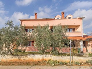 Awesome home in Fazana w/ WiFi and 4 Bedrooms