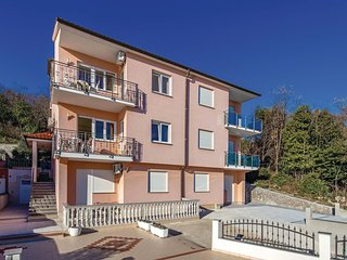 Amazing home in Volosko w/ WiFi and 1 Bedrooms