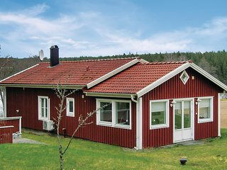 Awesome home in Hestra w/ Sauna, WiFi and 2 Bedrooms