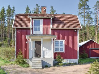 Beautiful home in Bruzaholm w/ Sauna and 4 Bedrooms