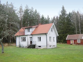 Beautiful home in Mönsterås w/ 2 Bedrooms