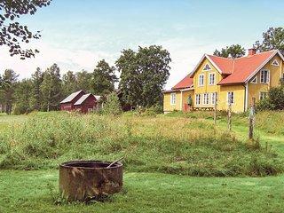 Beautiful home in Fågelfors w/ 5 Bedrooms