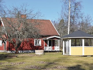Awesome home in Högsby w/ Sauna and 1 Bedrooms