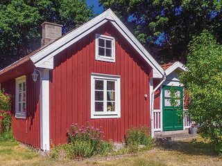 Amazing home in Rockneby w/ 2 Bedrooms