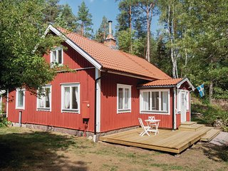 Amazing home in Hultsfred w/ 3 Bedrooms