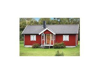 Stunning home in Köpingsvik w/ 2 Bedrooms