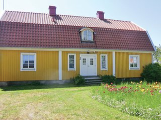 Nice home in Färjestaden w/ 4 Bedrooms