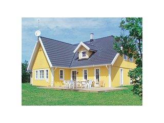 Amazing home in Köpingsvik w/ Sauna, WiFi and 7 Bedrooms