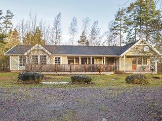 Beautiful home in Köpingsvik w/ Sauna, WiFi and 4 Bedrooms