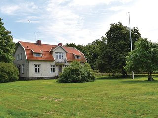 Beautiful home in Borgholm w/ 7 Bedrooms
