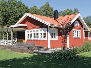 Stunning home in Lottorp w/ 3 Bedrooms