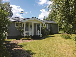 Awesome home in Borgholm w/ WiFi and 4 Bedrooms