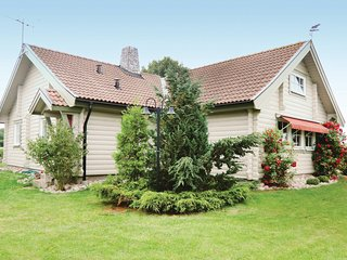 Awesome home in Borgholm w/ 3 Bedrooms