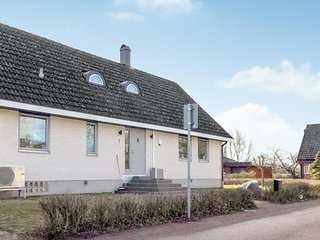 Beautiful home in Borgholm w/ WiFi and 5 Bedrooms
