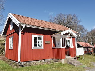 Beautiful home in Svanesund w/ WiFi and 2 Bedrooms (S54024)