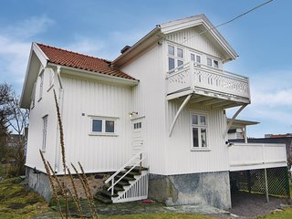Nice home in Hönö w/ WiFi and 6 Bedrooms